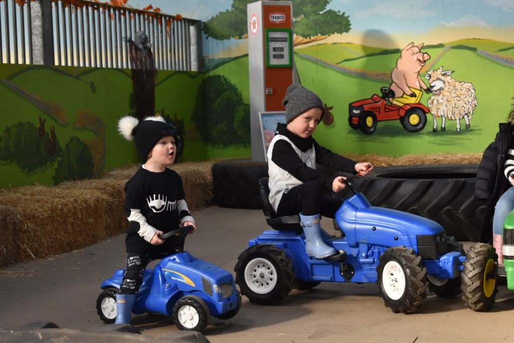 Tractor_Fun_For_The_Boys